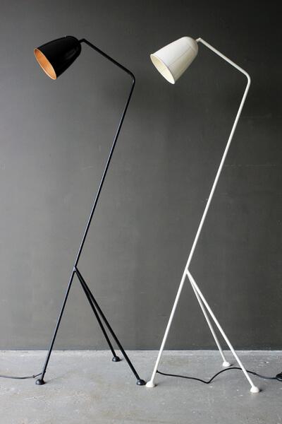 3_LEGGED_FLOOR_LAMP_LOWRES