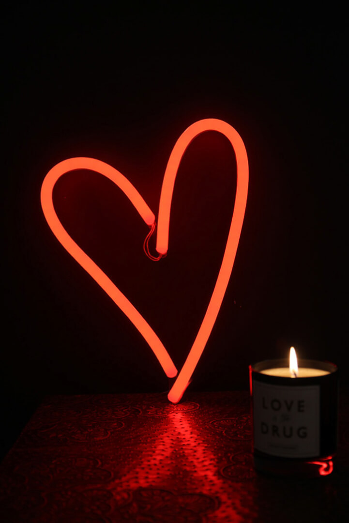 valentines-gifts_-neon-heart