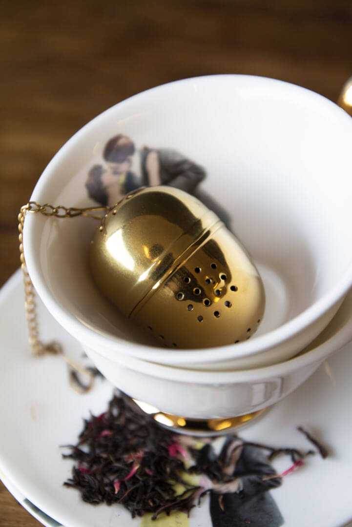valentines-gifts_gold-tea-egg