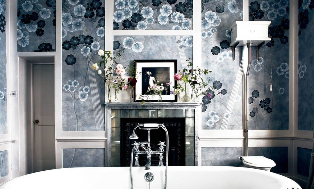 lifestyle image of wallpaper in the bathroom